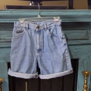Vintage high-rise Lee Mom shorts denim 90s